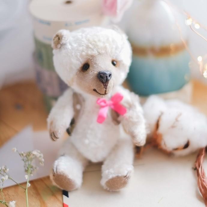 Traditionally handmade teddy bear - Joey - Zhenya's beautifully handmade unique