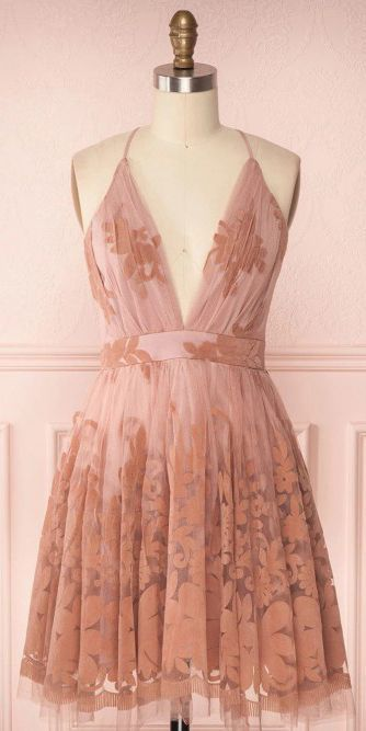 Sleeveless Deep V-neck Short Prom Homecoming Dress with Lace 2733