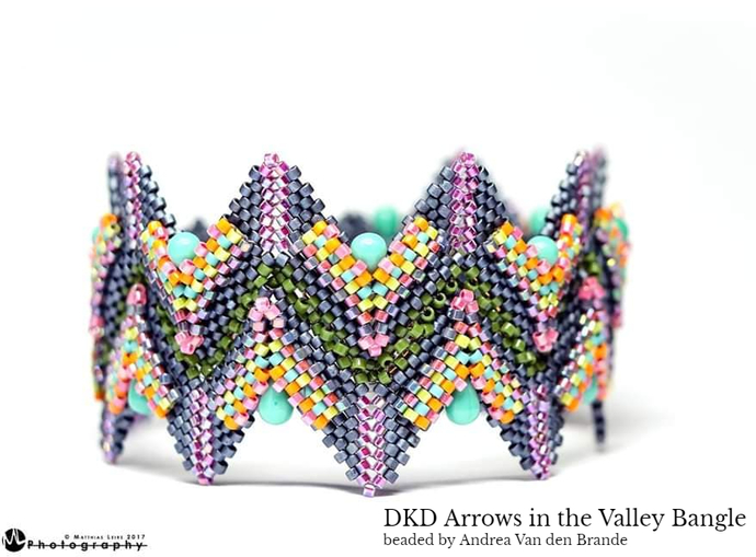 Arrows In The Valley Bangle Geometric Beadwork Design Tutorial