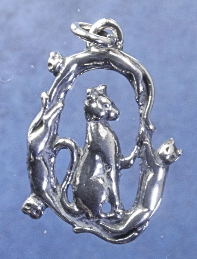"""Wreath of cats pendant in sterling silver, Cat """"T"""""""