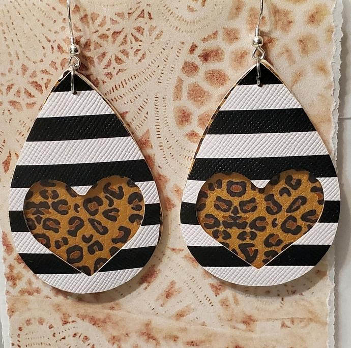 ANIMAL PRINT heart faux leather earrings