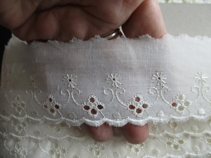 3mts Cream Cotton Eyelet Trim