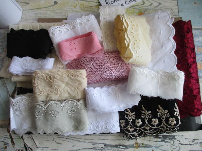 Large Cotton Eyelet Lace Kit For SALE