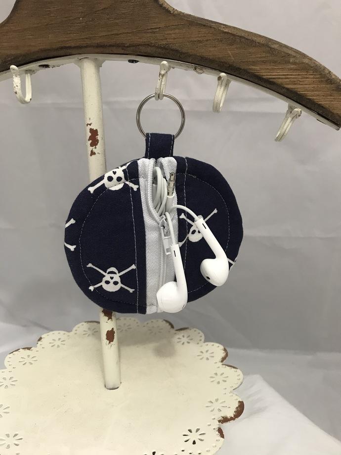 Blue and White Skull Earbud Holder
