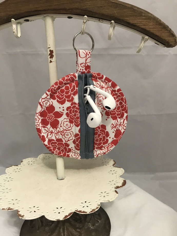 Red and White Floral Earbud Holder