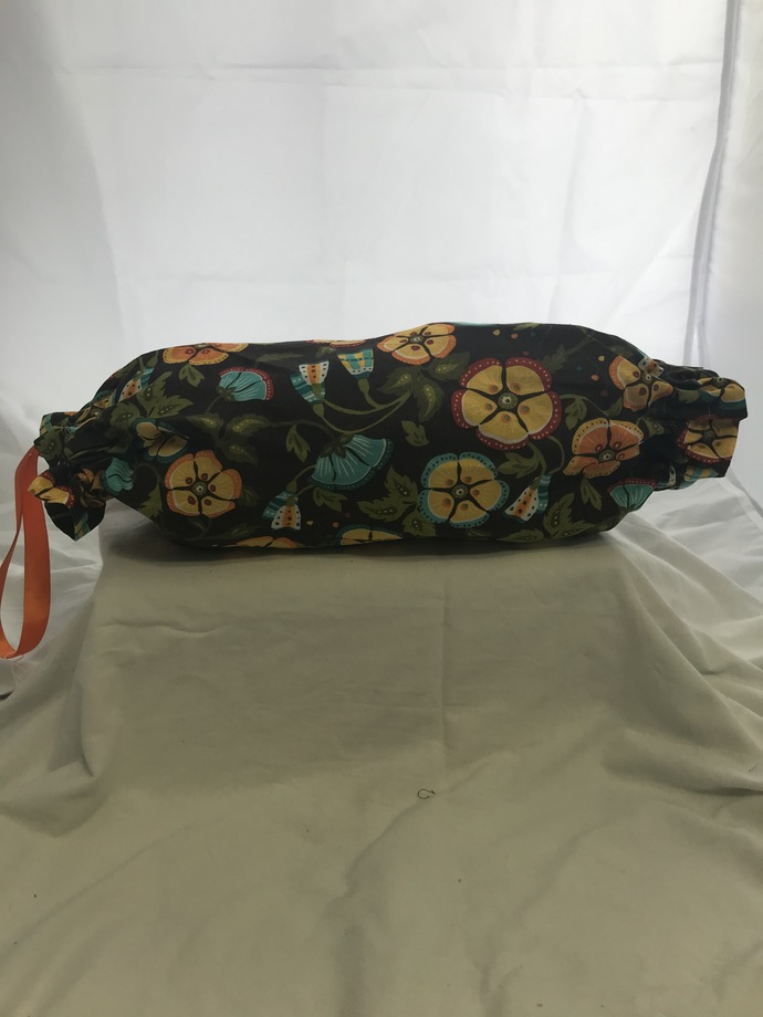 Multi-Colored Flowers on Brown Background Plastic Bag Holder