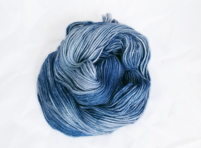 Merino SW worsted-weight yarn - Dawn is a Feeling