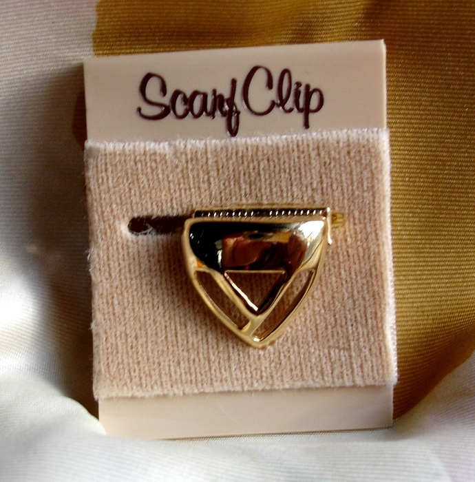 Triangular Shaped Scarf Clip Vintage 1970s Mod Geometric Style NOS