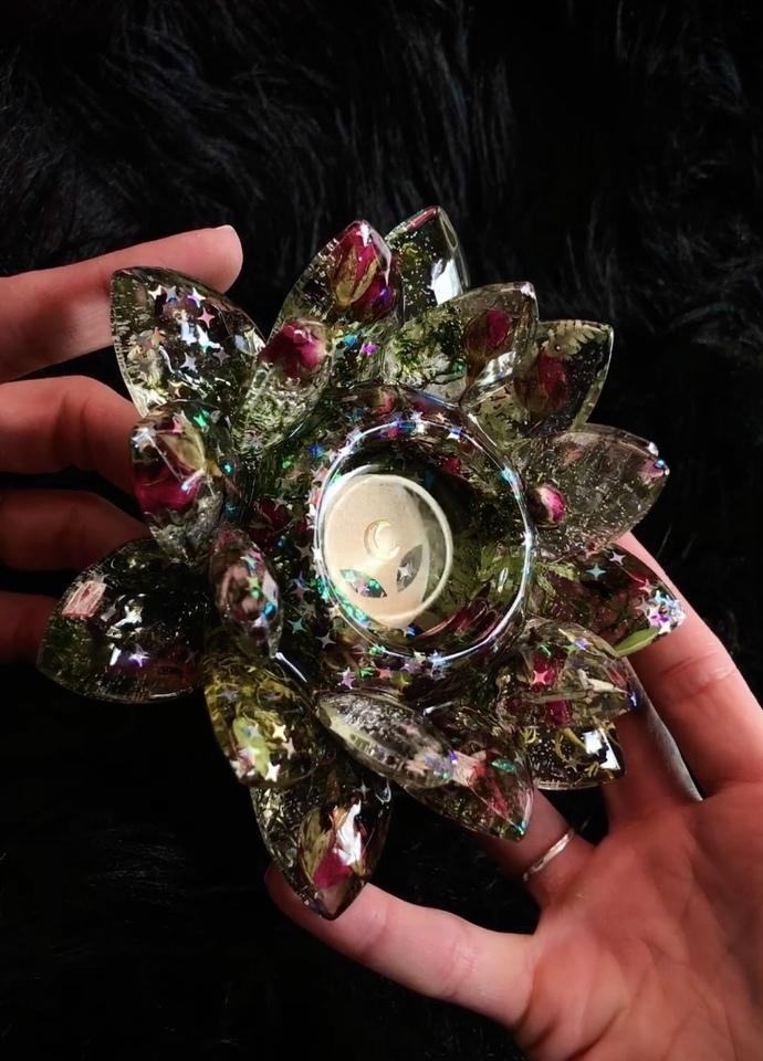 Alien Rose Infused Lotus Dish