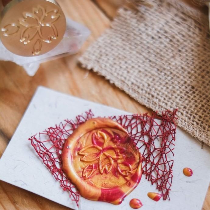 London Gifties x Rainbowholic wax seal - Sakura Blossom - perfect as a gift for