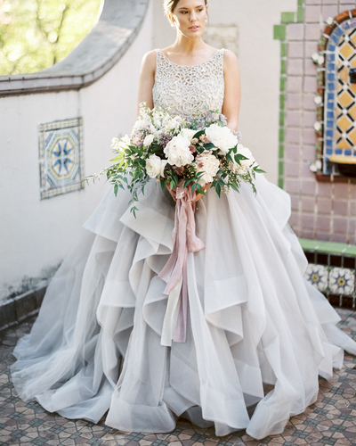 Ball Gowns Wedding Dress Bridal Gowns with Beaded,F1757