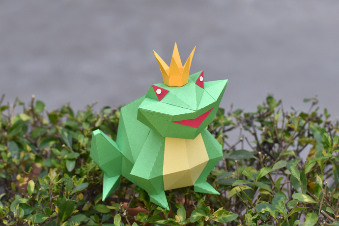 DIY Papercraft Frog prince,Low poly frog model,Frog templates,Pepakura