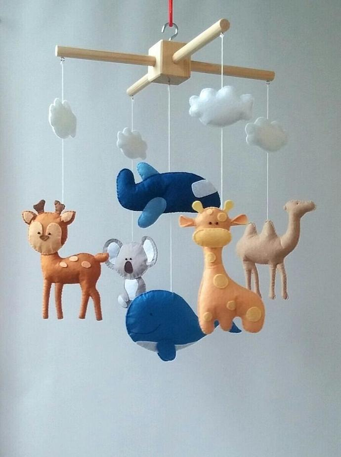 Baby crib mobile animals Felt decor New baby gift