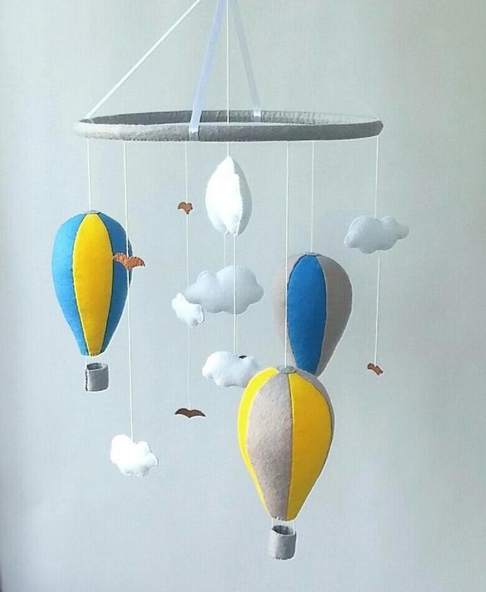 Air balloon baby crib mobile Cloud