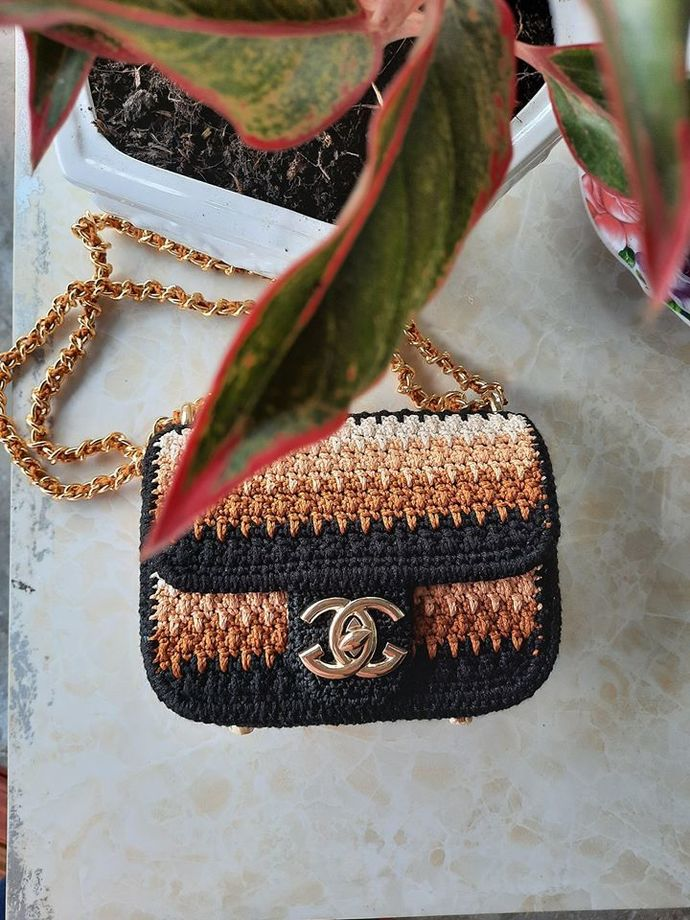 Elegant handmade crochet bag using Channel clasp