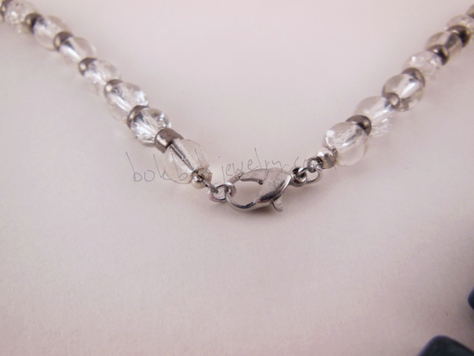 Gray Chain Loop Necklace