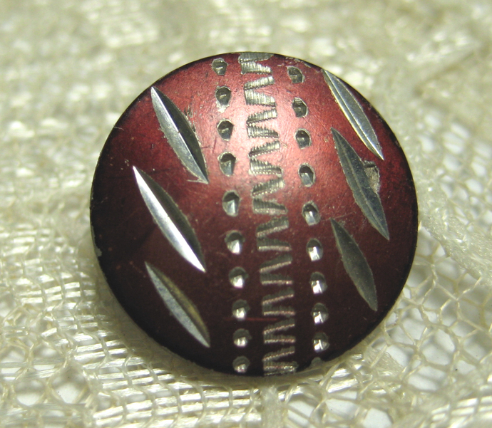 Bright Cut Pewter Button with Red Tint #10