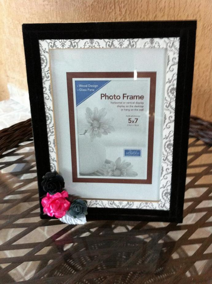 5x7 Frame Black, Pink and Grey