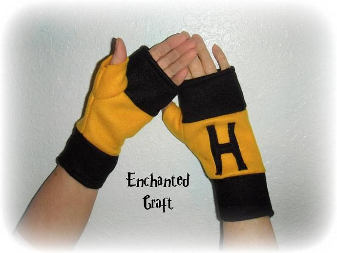 FLEECE HUFFLEPUFF Fingerless Gloves