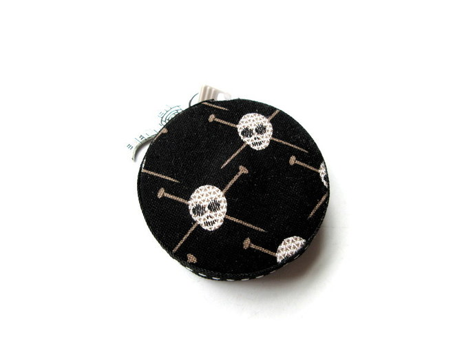 Measuring Tape Skulls and Knitting Needles Retractable Pocket Tape Measure