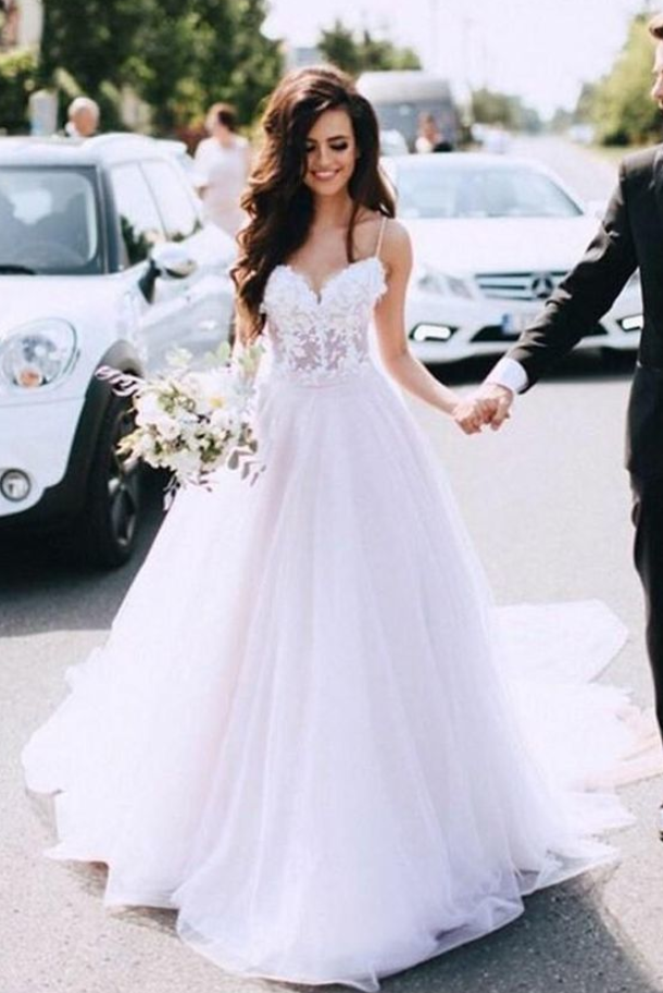Spaghetti Straps Tulle White Appliques Long Wedding Dress