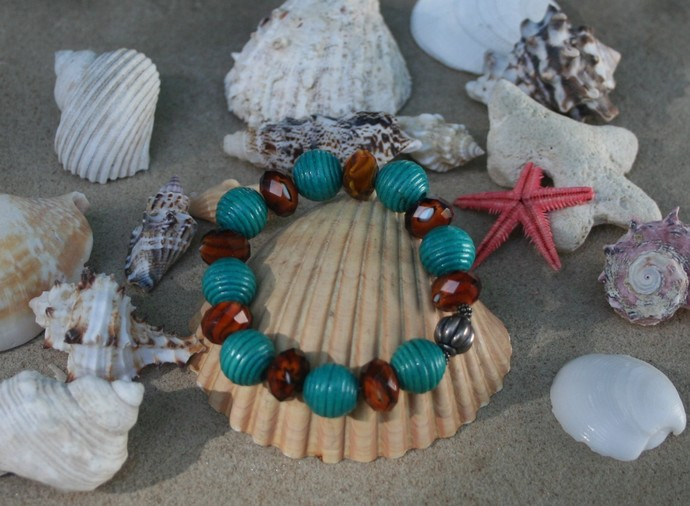 Teal Wood Bead Stretch Bracelet