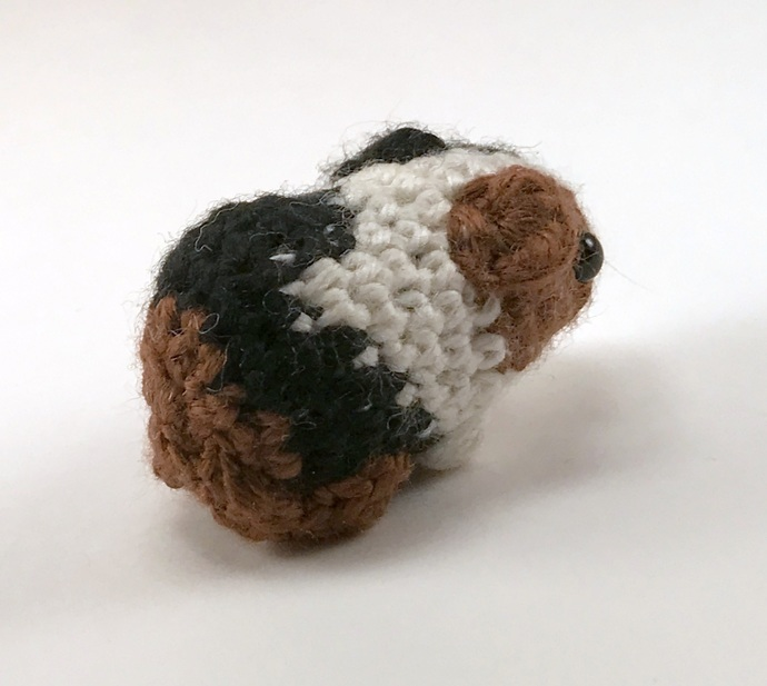 Baby Guinea Pig (Tricolor), Crocheted Plush - *READY TO SHIP*