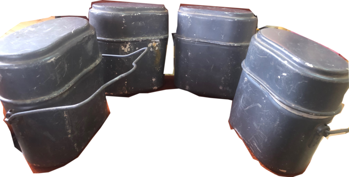 4 German military food container with cup PSL 67 and PSL 66