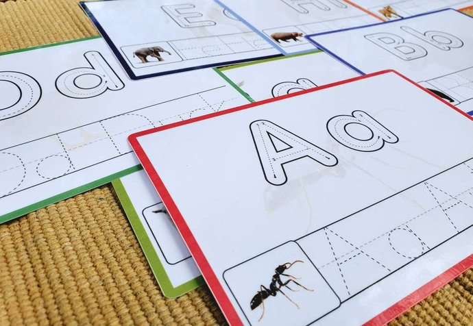 Tracing alphabet * Alphabet flashcards * Learning letters * Wipe and clean