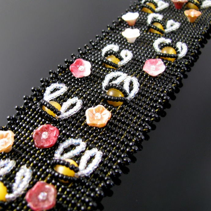 Bead loomed bee bracelet with flowers
