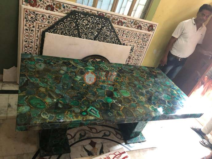 Green Agate Top Dining Table With Stand LED Light Restaurant Furniture