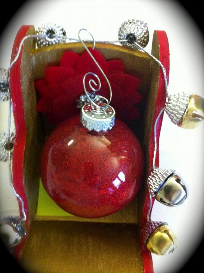 6 Pk Glass Christmas Ornament in Red glitter