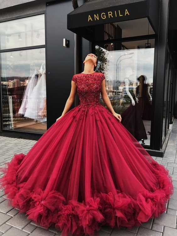 burgundy ball gown prom dresses beaded lace appliqué handmade flowers prom gown