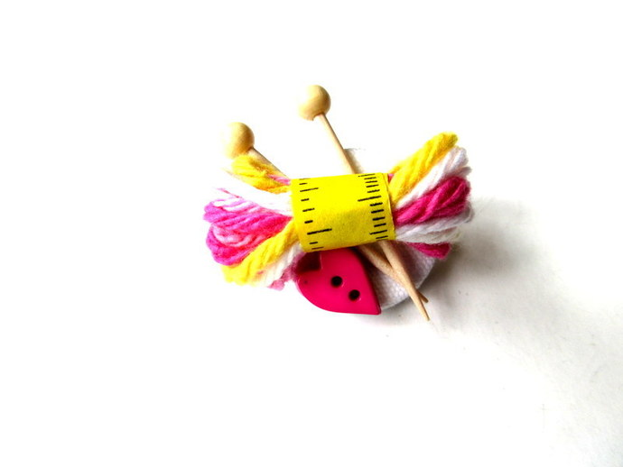 I Love to Knit Pin Brooch Free US Shipping