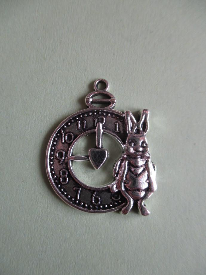 3 x 2.5cm Silvertone Rabbit Clock Charm