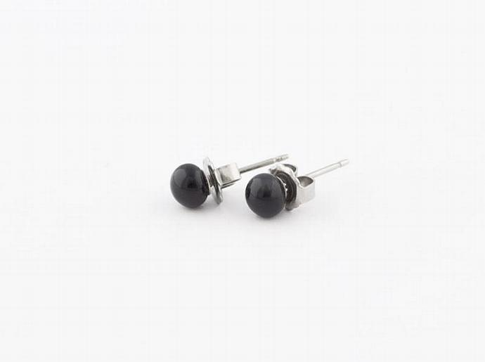 Circle Post Earrings in Black