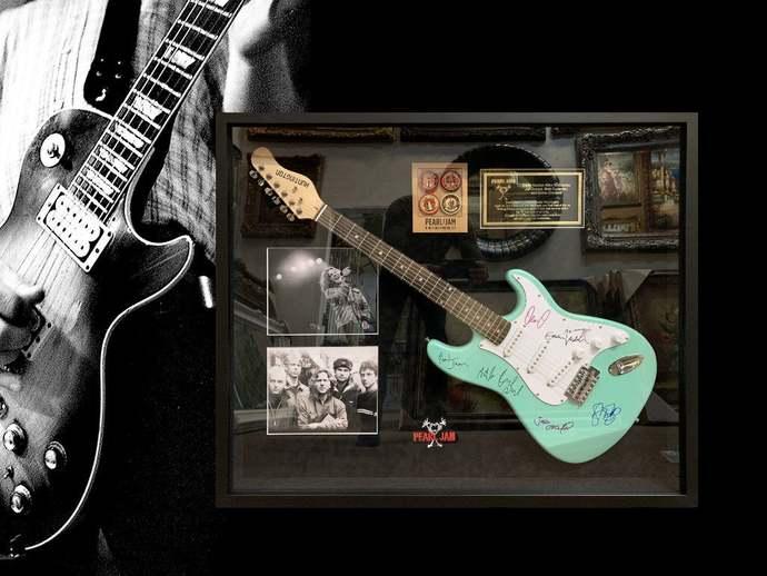 Pearl Jam Eddie Vedder Mike McCready Jeff Ament Stone Gossard  Matt Cameron