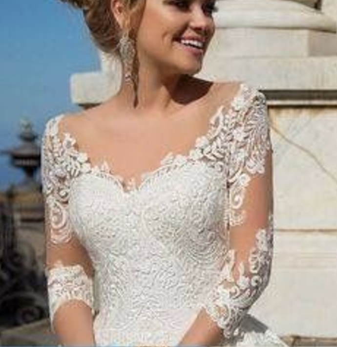 Charming Wedding Longs Lace Sexy Evening Appliques