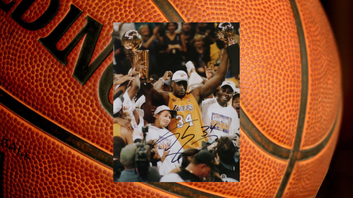 Shaquille O'Neal Los Angeles Lakers 8 x 10 signed photo