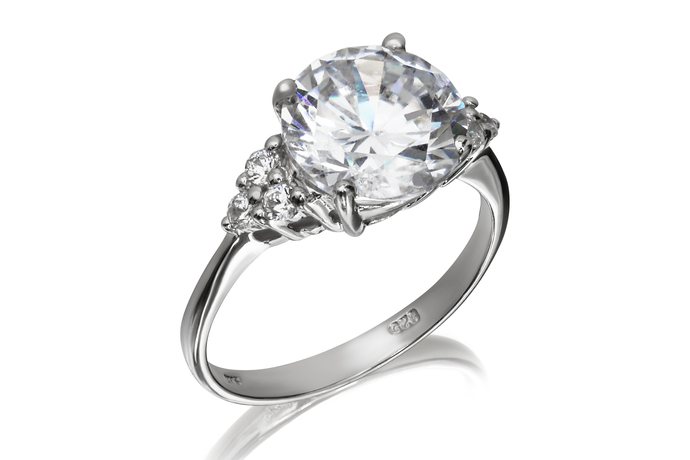 10mm Solitaire Cluster Ring