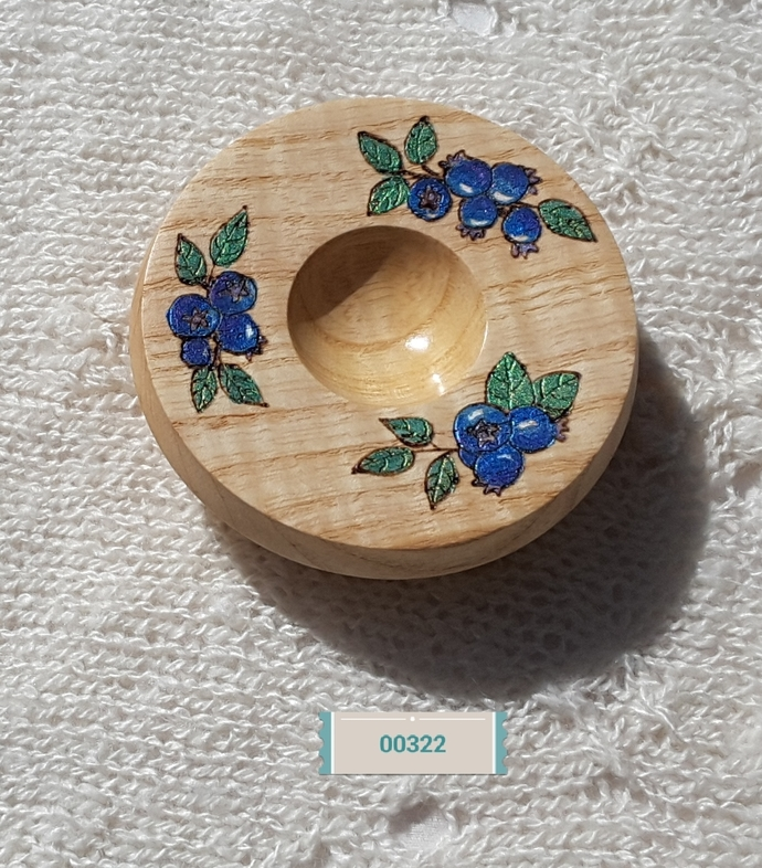 Ash bowl with blueberry design for support spinning
