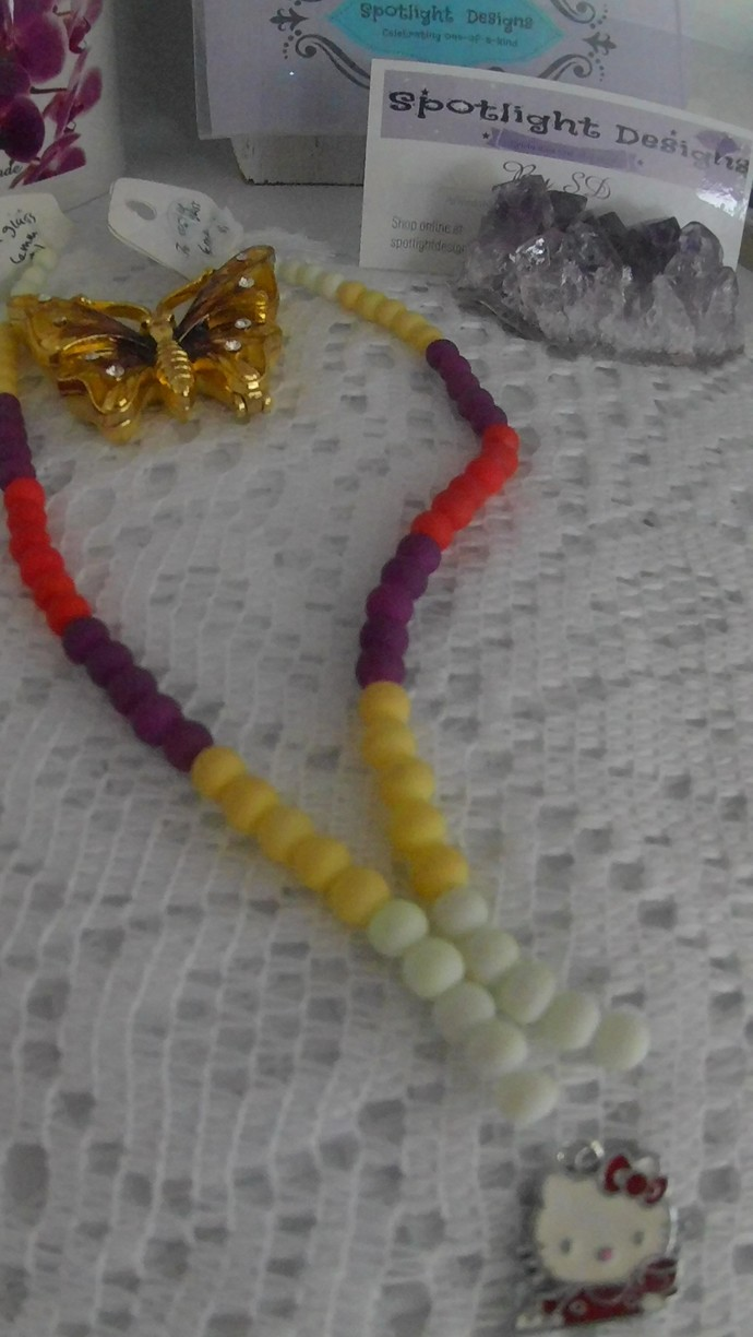 DIY kit for  ( 1 )  Hello Kitty NO clasp  STRETCHY Necklace
