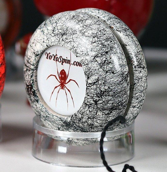 Spider Yo-Yo ... White/Black