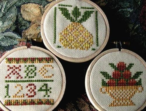 Colonial Centerpiece Hand Stitched Cross Stitch Hoop Wall Art Ornament