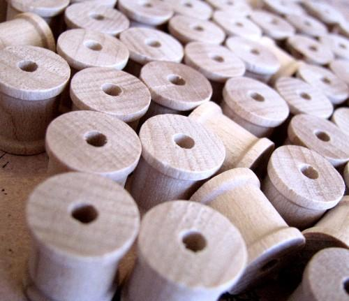 Wooden Thread Spools 1/2 Inch Natural and Unpainted, Group of 15