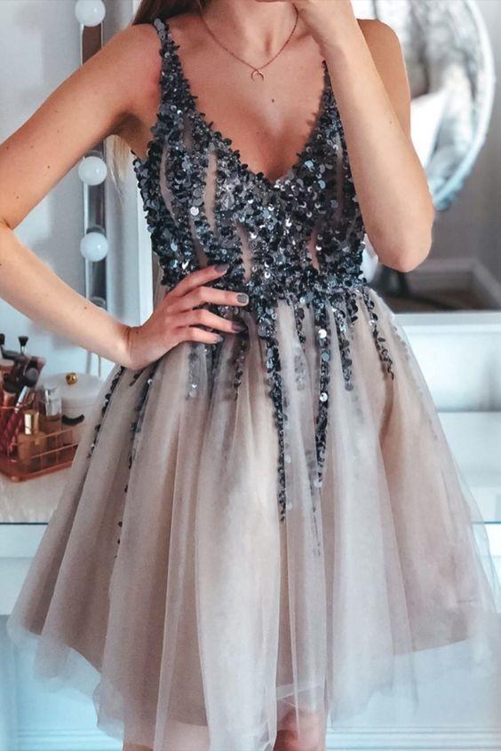 V neck Tulle A Line Sequins Short Homecoming Dress T1940