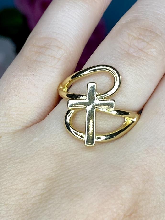 Gold Cross Fashion Ring