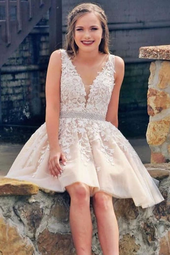 WDG0199,Sexy V Neck Short Champagne Homecoming Dress With White Lace 2020