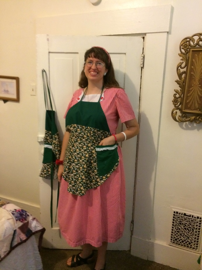 Farm Eggs Rounded Aprons