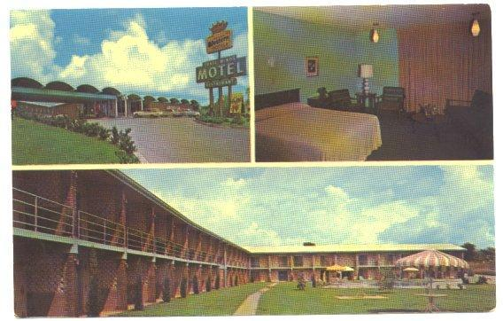 Sherman Texas Postcard Trade Winds Motel Restaurant 1960s View
